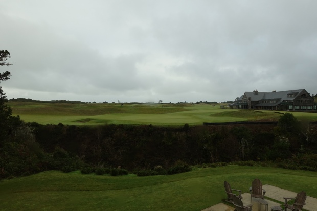 Bandon Dunes 18th green; Bandon Dunes Lodge