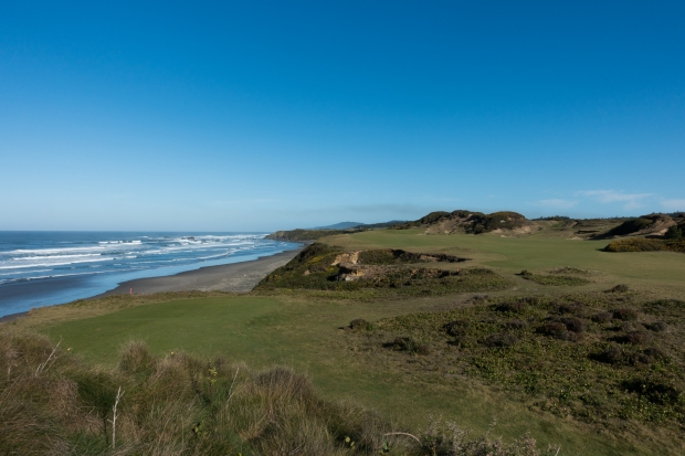 Pacific Dunes 11th Tee