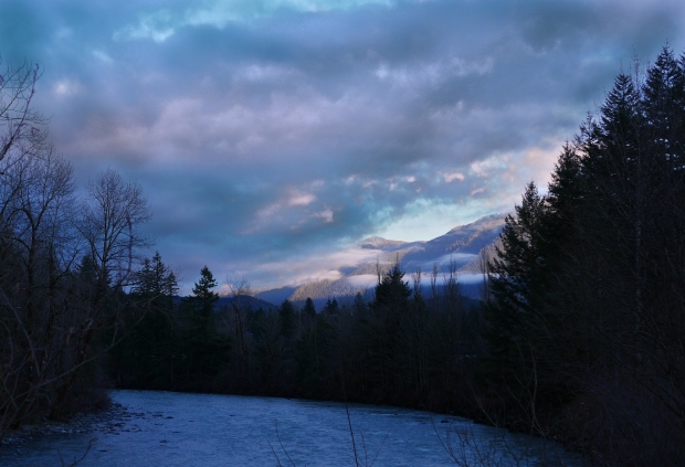 Snoqualmie_River_Clouds